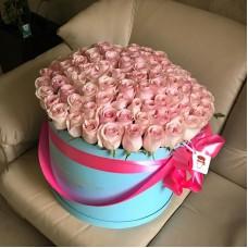 Розовые розы в цилиндре (XL) от 101 розы